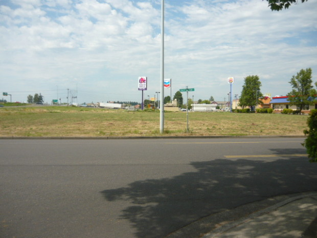 Commercial Property: 2951  Stacey Allison Way , Woodburn, Oregon 97071
