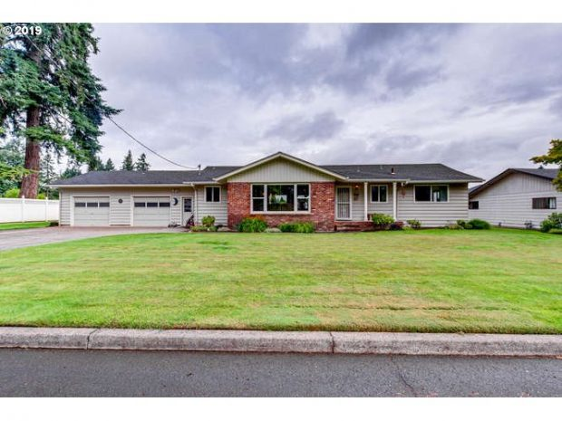 Single-Family Home: 2743 Quartz Street   (PENDING), Salem, Oregon 97303