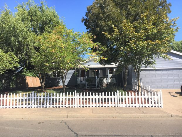 Mobile/Manufactured Home: 423 Comstock Avenue  (PENDING), Woodburn, Oregon 97071