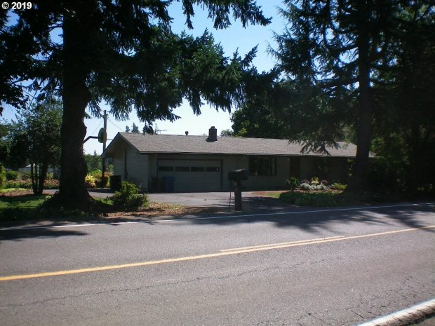 Single-Family Home: 17210 Boones Ferry Road NE  (PENDING), Woodburn, Oregon 97071