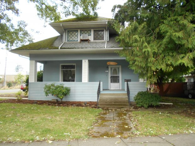 Single-Family Home: 919 Corby Street, Woodburn, Oregon 97071