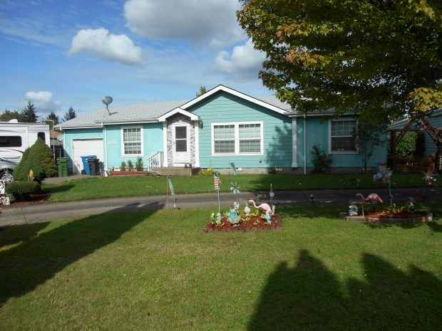 Mobile/Manufactured Home: 639 Comstock Avenue  (PENDING), Woodburn, Oregon 97071