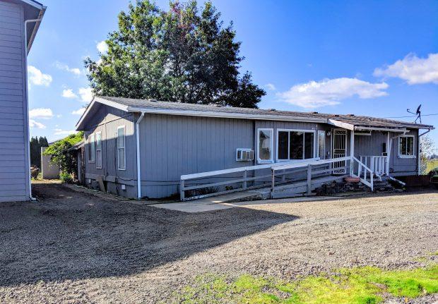 Single-Family Home: 10024 Wiseacre Lane NE, Aurora, Oregon 97002